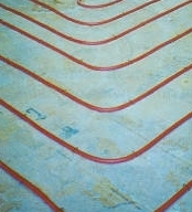 Underfloor heating tube on solid floor